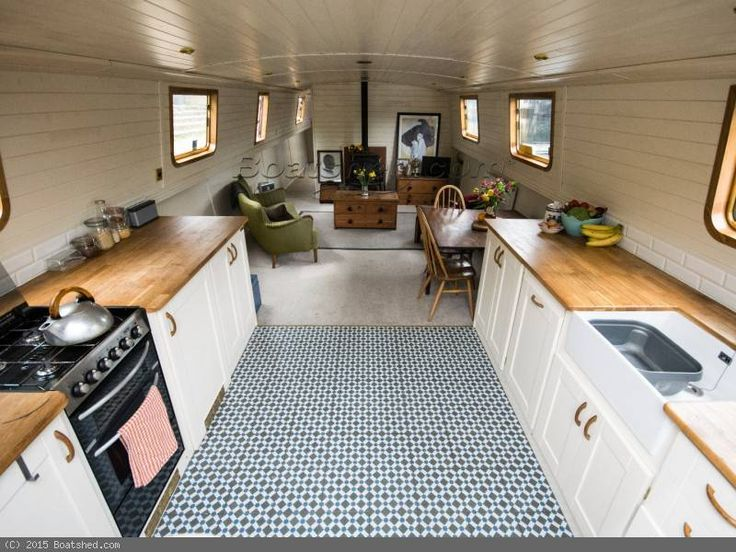 "Wide Beam Houseboat for sale, 21.34m (70'0""), 2013 