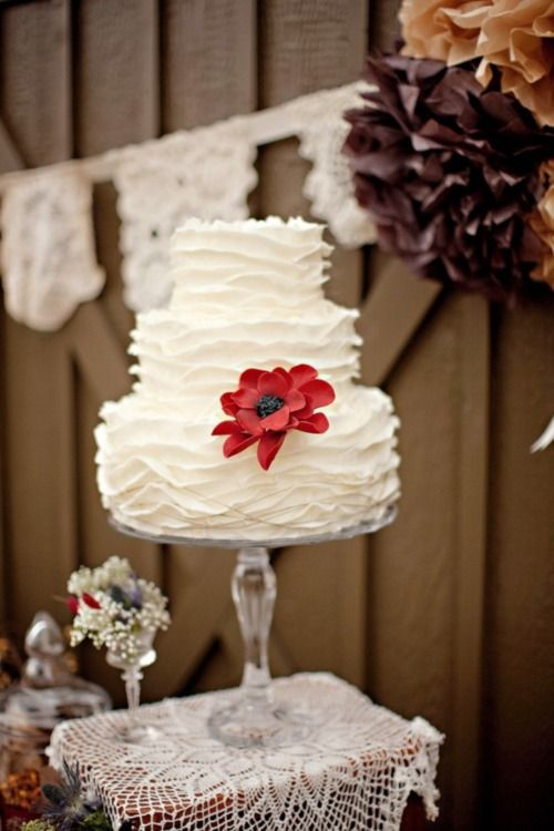<3: White Cake, Cake Wedding, Pretty Cake, Red Flower, Cake Stands, Wedding Cakes, Ruffles Cake, Simple Wedding, Simple Cake