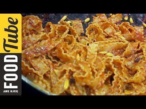 Jamie Oliver vs la pasta all'anciova - grande classico della cucina siciliana su Food Tube / Jamie Oliver vs pasta with anchovy sauce - a great classic of Sicilian cuisine on Food Tube