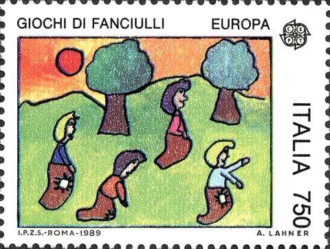 """1989 - Europa Unita:  tema """"Giochi di fanciulli""""- Bambini alla corsa coi sacchi - bozzetto scelto mediante concorso riservato ai ragazzi di età inferiore a 15 anni."""