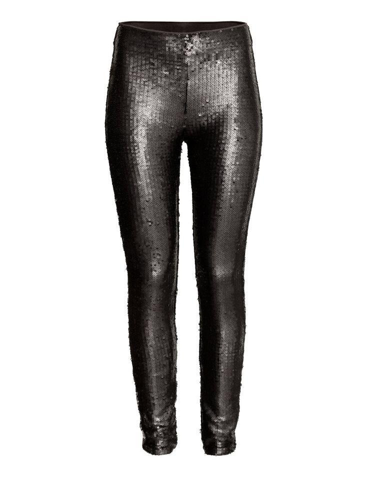 Check this out! Een legging van mesh die bezet is met pailletten. De legging heeft blind elastiek in de taille. – Ga naar hm.com om meer te bekijken.