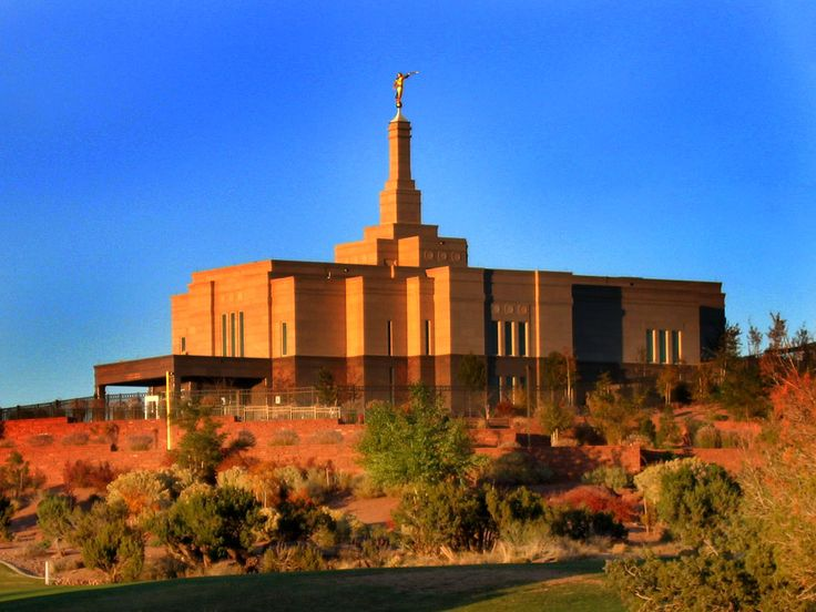 LDS temple on Temple Hill in Snowflake, Arizona Really cool