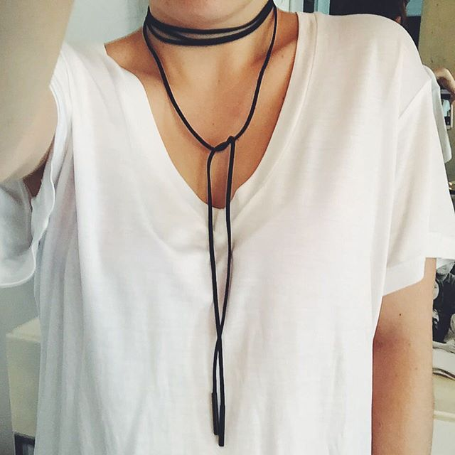 The #choker obsession continues  @1inside.stephanies.closet wears the GRIWIA necklace from ALDO