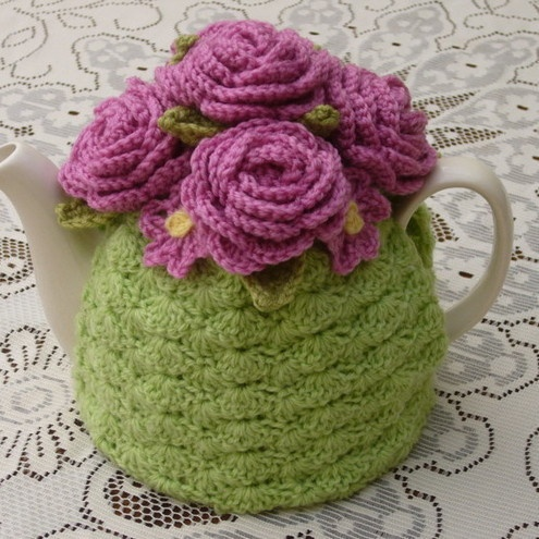 Crochet Tea Cosy/Light Green with Roses