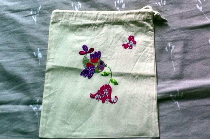 sac à doudou en coton pour fille , oiseau et sa fleur en tissu liberty et paillette : Sacs enfants par nessymatriochka