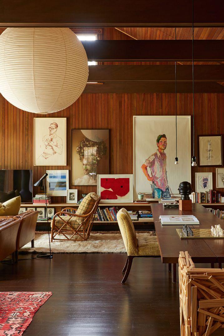 Beautiful mid-century modern inspired living room …