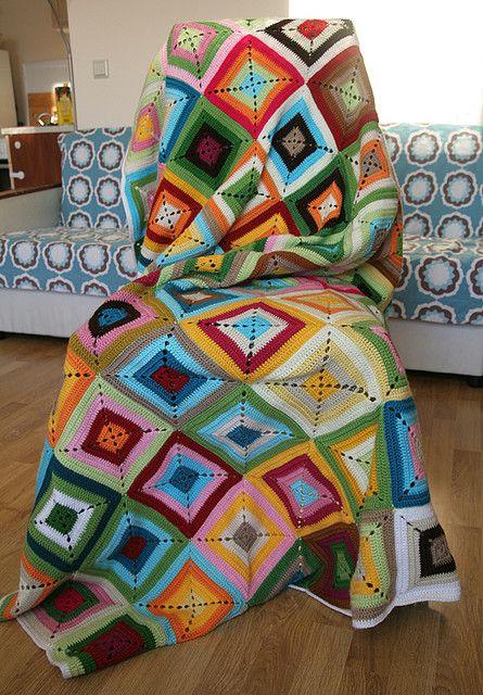 Mes favoris tricot-crochet: Modèle gratuit : Un plaid en Solid Granny Squares