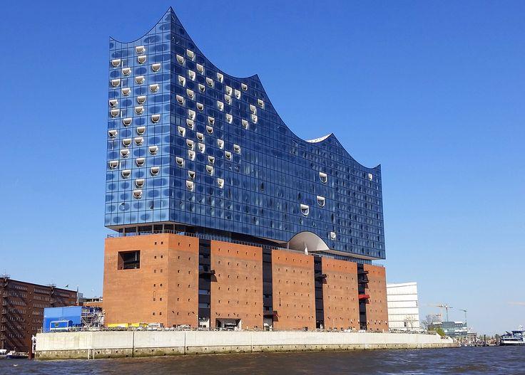 Jetzt Elbphilharmonie Tickets kaufen und eine Veranstaltung Ihrer Wahl im wohl spektakulärsten Konzerthaus der Welt live erleben. Faltin Travel macht's möglich.    https://faltintravel.com/elbphilharmonie-tickets/  #Elbphilharmonie #Elphi #Tickets #FaltinTravel #Hamburg #Konzerte #Events