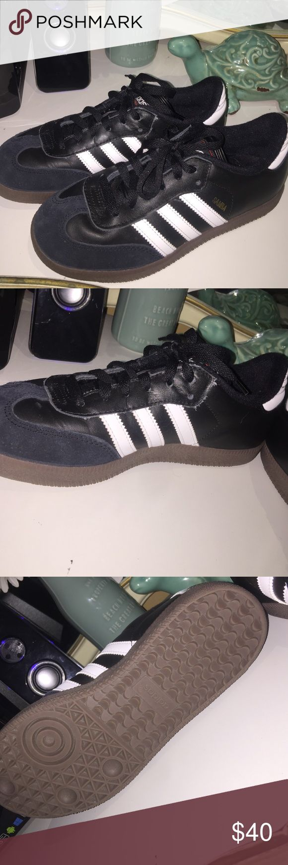 Adidas Samba Shoes -Adidas Samba Shoes -Black -Size Men's 4 1/2 -Only worn for a few indoor soccer games, in perfect condition  Open to offers on products over $10 No trades please 💘 Adidas Shoes Athletic Shoes