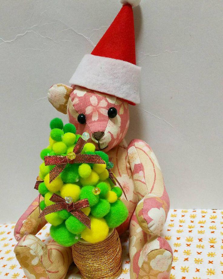 メリークリスマス✨🎄✨ 桜ちゃん手作り『ダイソークリスマスツリー🎄』。 #クリスマスツリー #100均 #手作り #ハンドメイド #handmade #くまの桜ちゃん #ぬい撮り #和裁教室 #東亜和裁