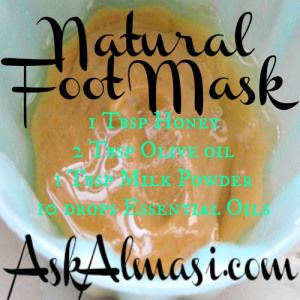 Natural foot mask with honey, powder milk and essential oils.