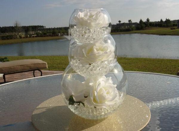 trois vases boules , décoration de mariages