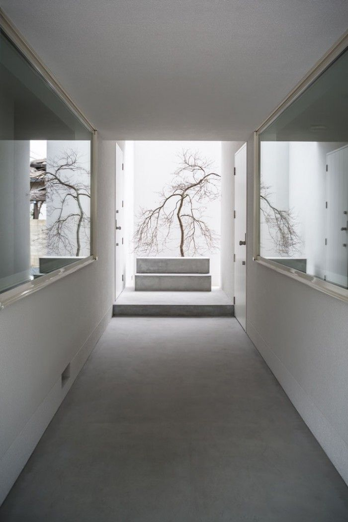 Combined Art Gallery and Living Space in Japan