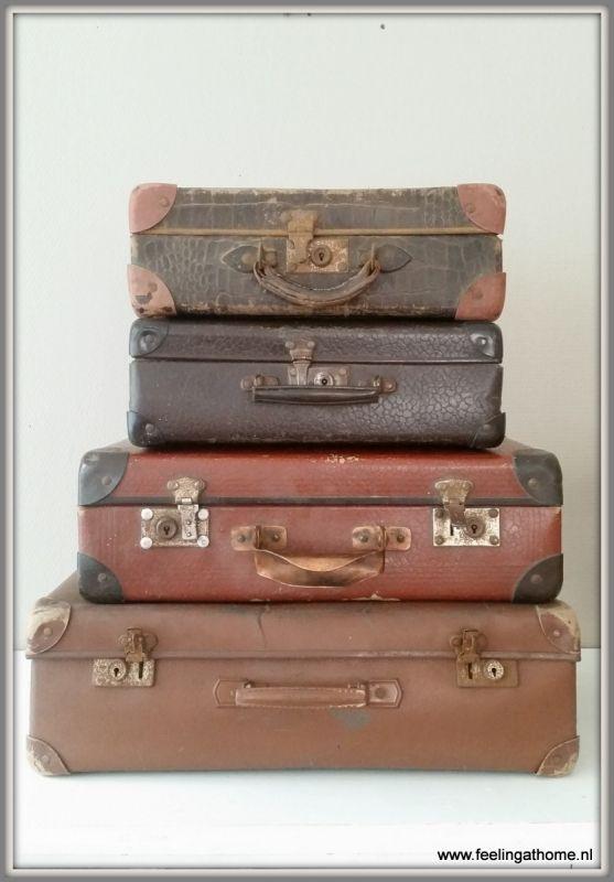 Vintage suitcase €27,50