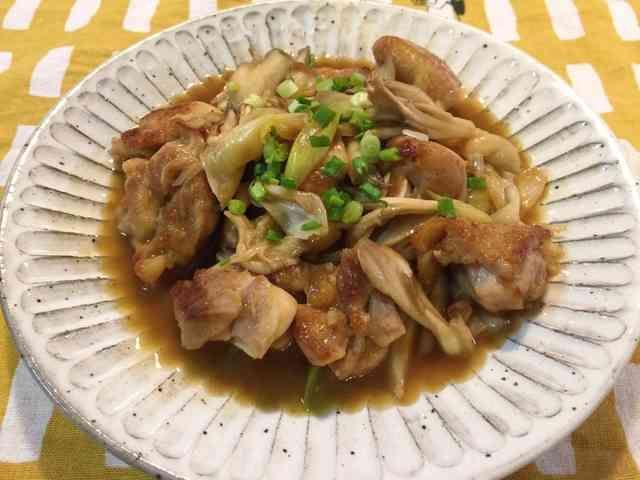 簡単♪鶏もも肉と舞茸のバターポン酢炒め*の画像