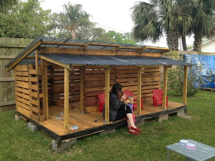 The most adorable Pallet Playhouse! More photos inside!