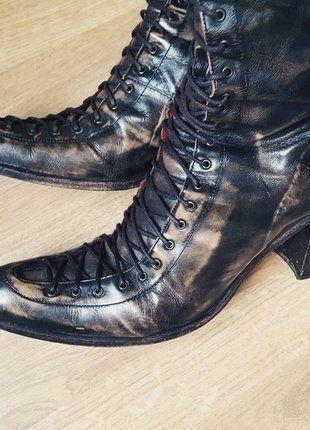 À vendre sur #vintedfrance ! http://www.vinted.fr/chaussures-femmes/bottes-and-bottines/35932845-superbes-bottes-lacees-free-lance-modele-queenie