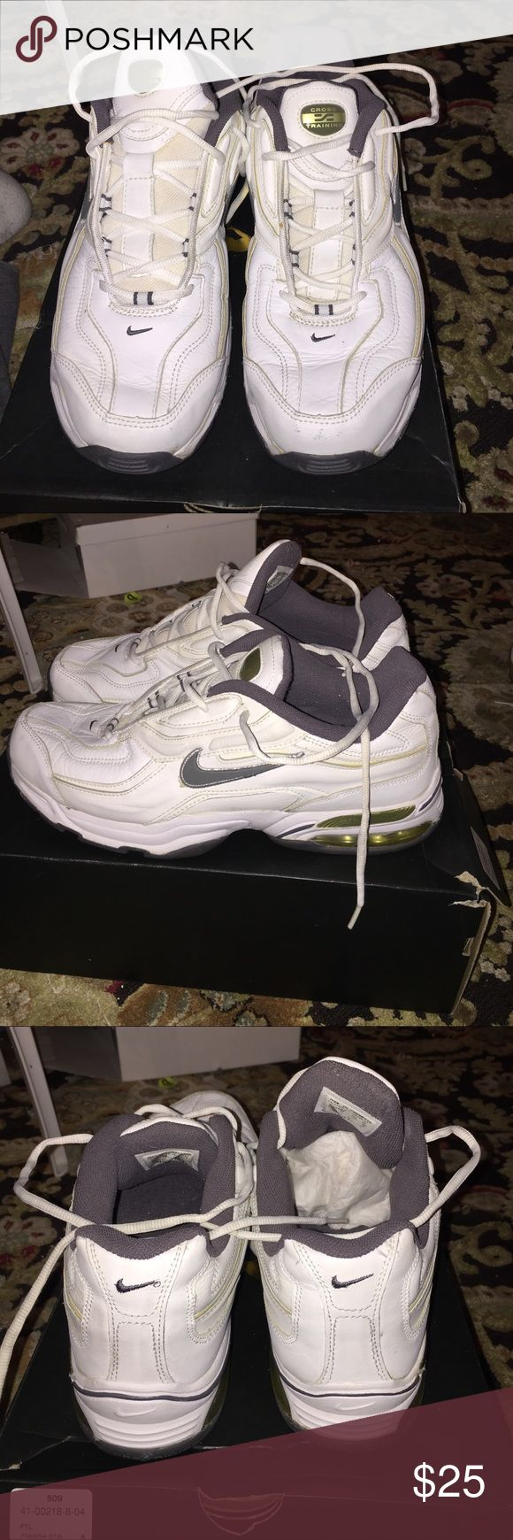 Nike cross training Nike cross training inside and out is clean over all is good condition Nike Shoes Sneakers