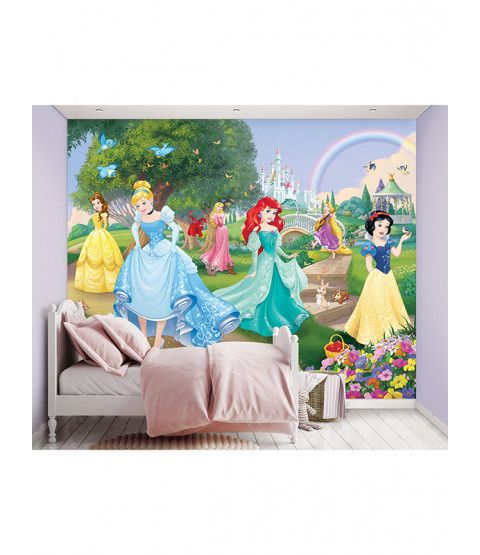 Create an instant feature wall in your room with this beautifully detailed Walltastic Disney Princess Wall Mural. Made up of 12 panels for easy application. Free UK delivery available.