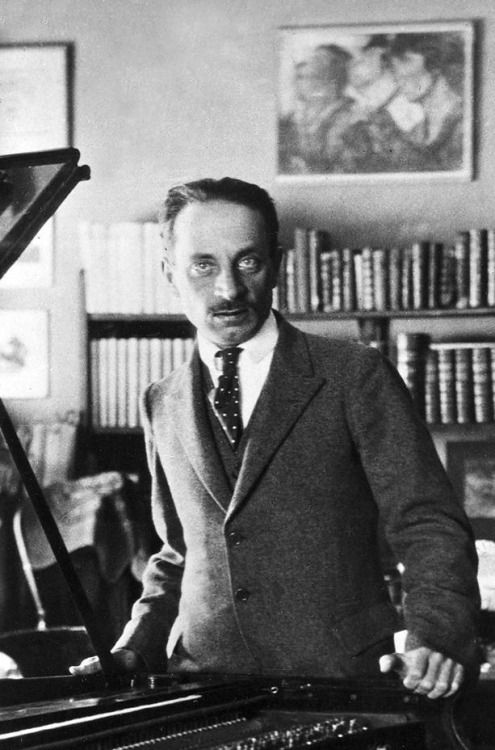 essays about rainer maria rilke Essays & reviews random  two translations of the poetry of rainer maria  rilke, by leo yankevich the society july 1, 2018 beauty, culture, poetry   translated by leo yankevich from the german of rainer maria rilke (1875 – 1926.
