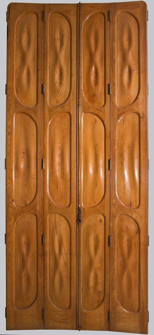 двери Гауди; национальный музей искусства Каталонии