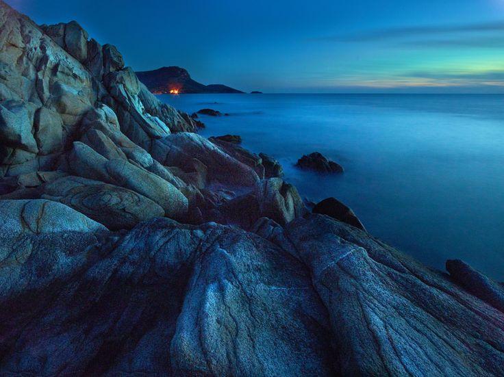 Boulders Cove, Toroni, Sithonia photo by Fokion Zissiadis