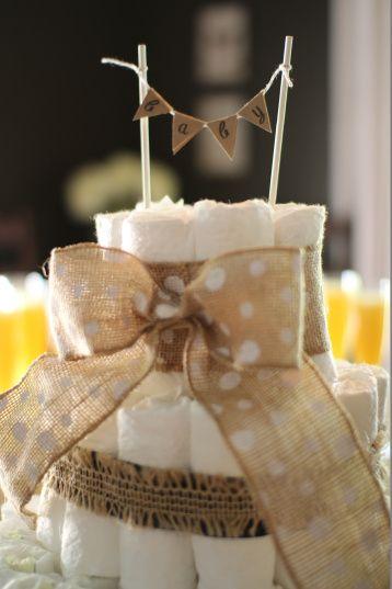Burlap baby shower diaper cake | Undercover Hostess