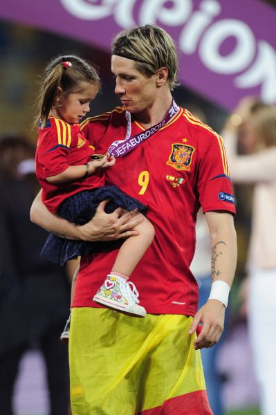 Fernando Torres, forward of Spain, with his daughter Nora Torres in 2012.(Photo by Shaun Botterill/Getty Images)                                     via @AOL_Lifestyle Read more: http://www.aol.com/article/2014/06/25/the-adorable-children-of-world-cup-players/20920132/?a_dgi=aolshare_pinterest#slide=2726507
