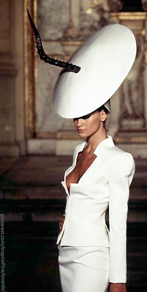 Alexander McQueen for Givenchy Haute Couture S/S 1997 repinned by www.pinterest.com/quelleelegance