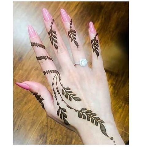 زيت الحشيش الافغاني الاصلي 1 ينعم الشعر الخشن 2 ينظف فروه الراس من القشره ويعالج التقصف والثعلبه وينشط الب Henna Designs Mehndi Designs Henna Designs Hand