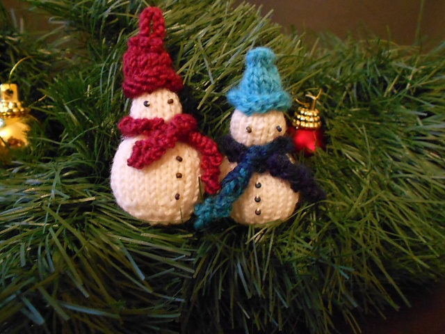 Ravelry: knitsabout's Mini 'Men
