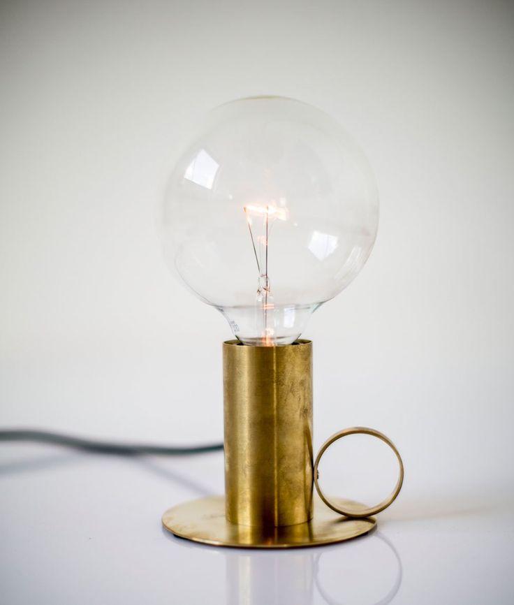 Bordslampa mässing