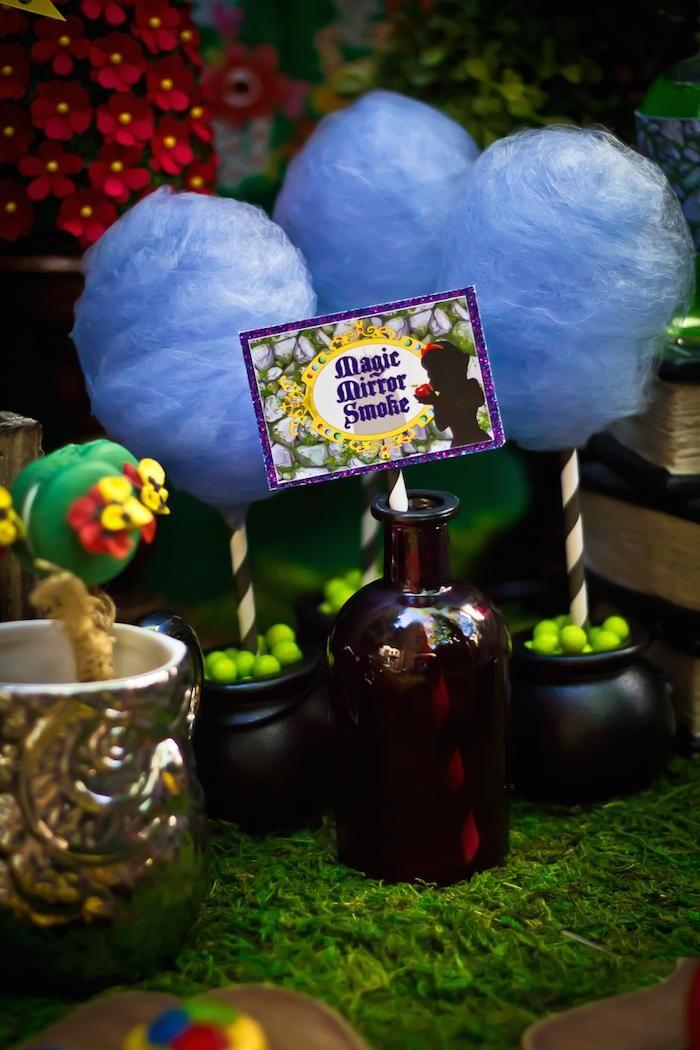 Snow White themed birthday party via Kara's Party Ideas KarasPartyIdeas.com Cake, cupcakes, invitation, supplies, games, and more! #snowwhite #snowwhiteparty #karaspartyideas (23)