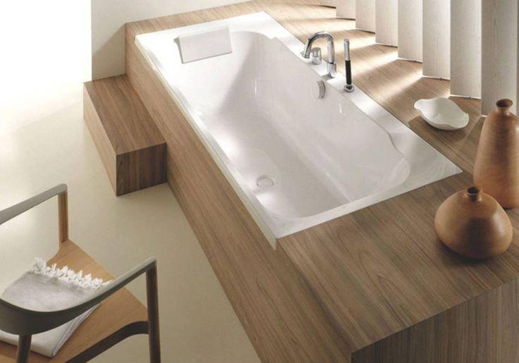 Les 25 meilleures id es de la cat gorie baignoire - Baignoire petite salle de bain ...