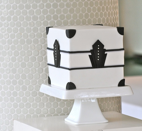 art deco cake---only because its square Cakes ...