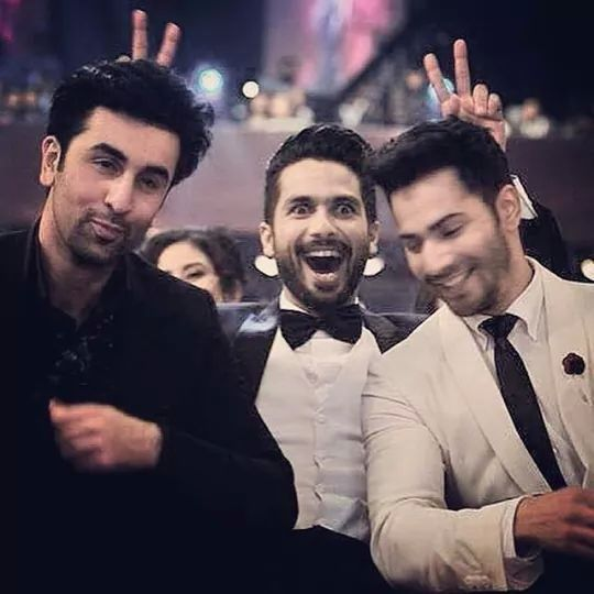 Sasha at filmfare awards 2015...Ranbir Kapoor n Varun Dhawan Repin & Like…