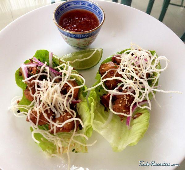 Tacos tailandeses de alface