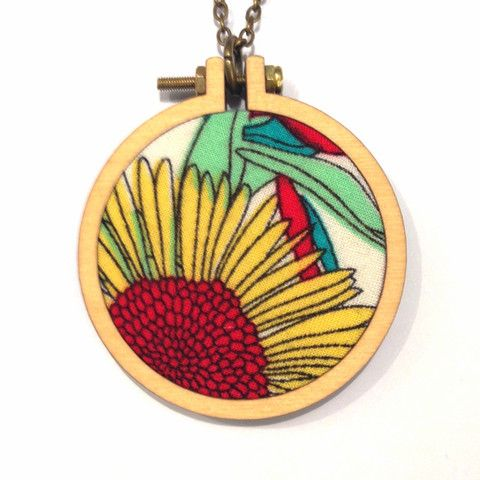 Hummingpea Round Hoop Necklace - large #1