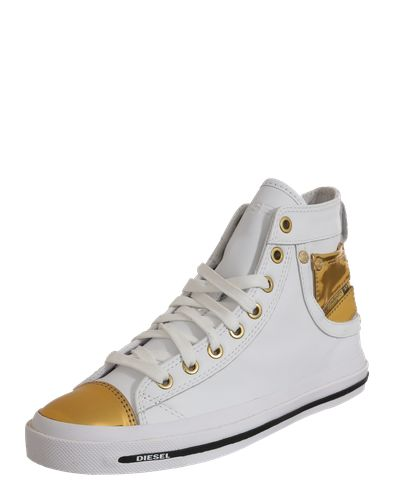 #DIESEL #Damen #Sneaker #Explosure #IV #gold Der Sneaker ´Explosure IV´ von Diesel präsentiert sich in cooler High Top Form aus echtem Leder. Specials sind die Kappe in Metall-Optik und das Logo-Patch an den Seiten. Nieten und Ziernähte machen den Jeans-Look an diesem stylischen Sneaker perfekt.