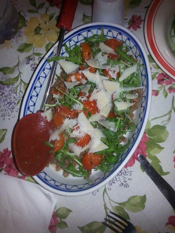 Tagliata di manzo con grana, rucola e pomodorini. Favorite?