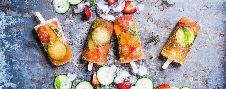 Pimms-lollies-with-fruit-decoration