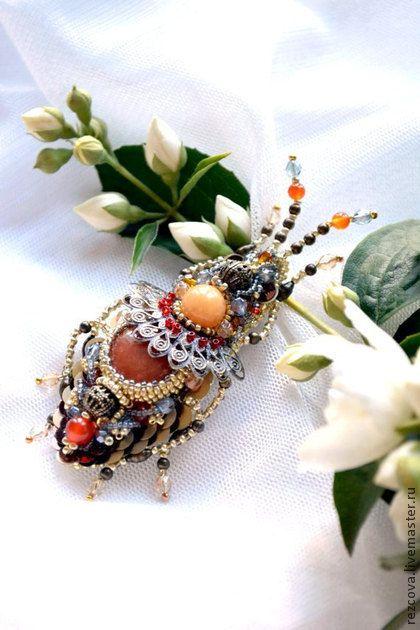 """Брошь - жук """"Бронзовый век"""" 14B038 - золотой,жук,брошь жук,брошь,ручная вышивка"""