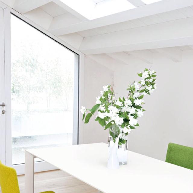 Nori table by Bartoli Design - Kristalia