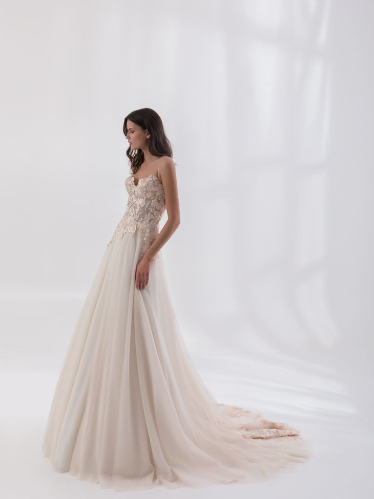 """""""Denise"""" from Costantino's SS18 Dreamland Collection.    #greekdesigners #weddingdress #bridal #couture"""