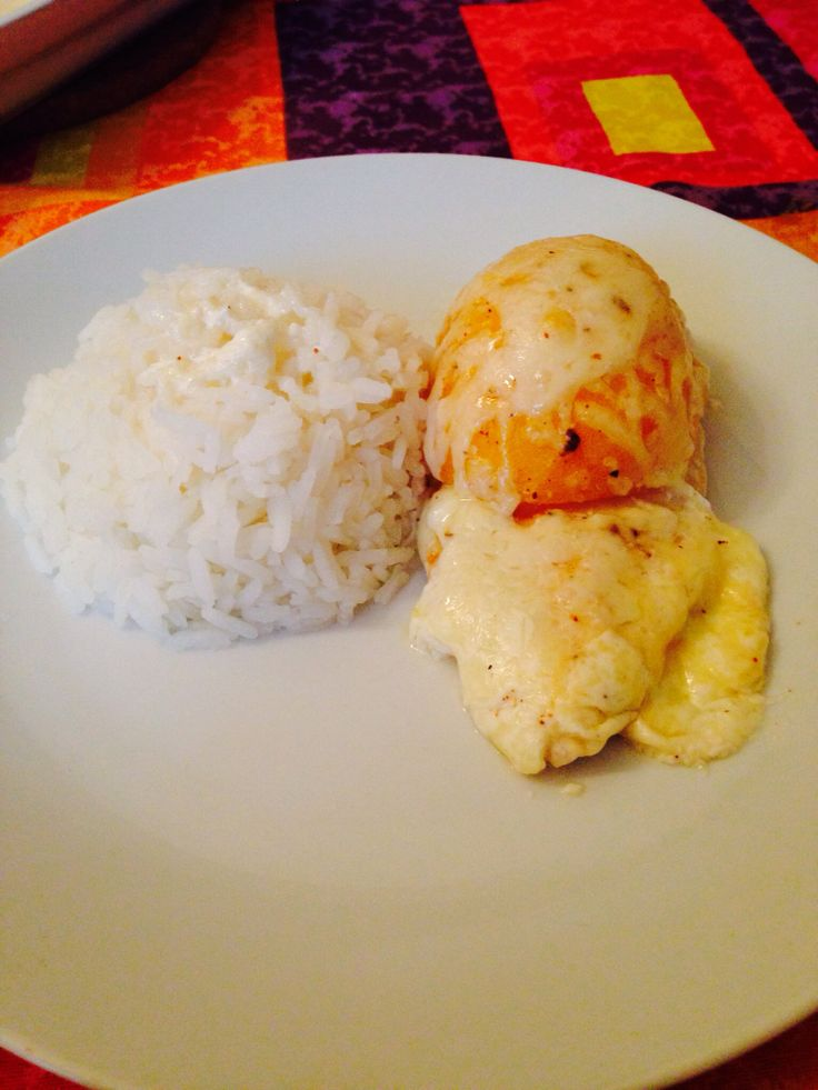 Roasted chicken in cream sauce with peach delight and cheese