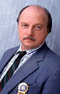 Sipowicz * Dennis Franz's character from the long-running cop drama NYPD Blue.  Loved him.