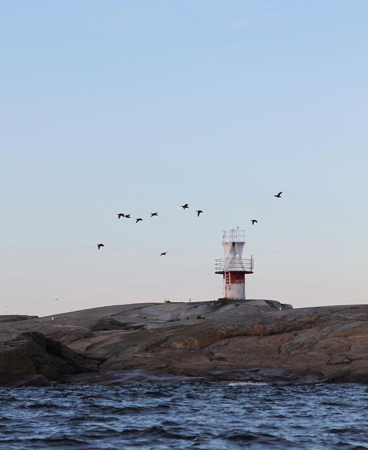 Seascape // Island // Coastal living // Itämeri // Östersjön // Baltic sea  Photo: Pala saaristoa