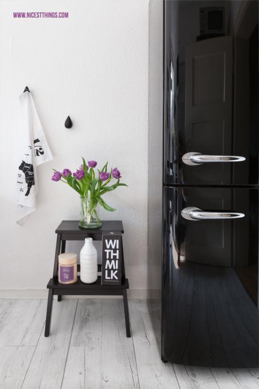 Retro-Kühlschrank von Gorenje und Ikea Bekväm Trittleiter