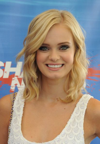 """Sara Paxton Photo - Swimming With Sharks Pool Party In Celebration Of """"Shark Night 3D"""""""