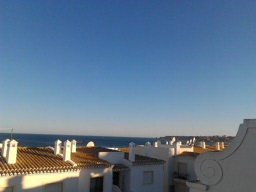 View over Meia Praia and Lagos Bay. http://www.meiapraiam.eu